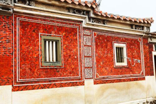 红砖建筑不仅是闽南传统建筑的特色,也是泉州建筑文化的源泉.
